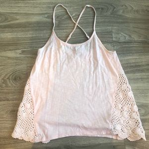 Pale pink Roxy tank top with Crochet detail